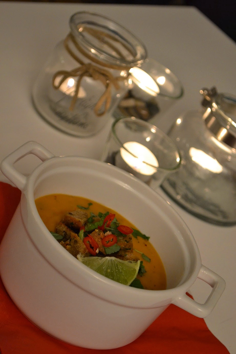 Sötpotatissoppa med chili, lime och ingefära
