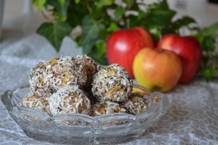 Kryddiga rawäppelbollar