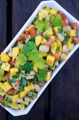 Bönsalsa med mango