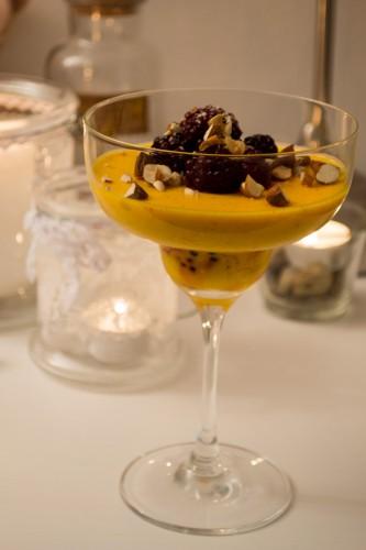 pannacotta saffran vit choklad