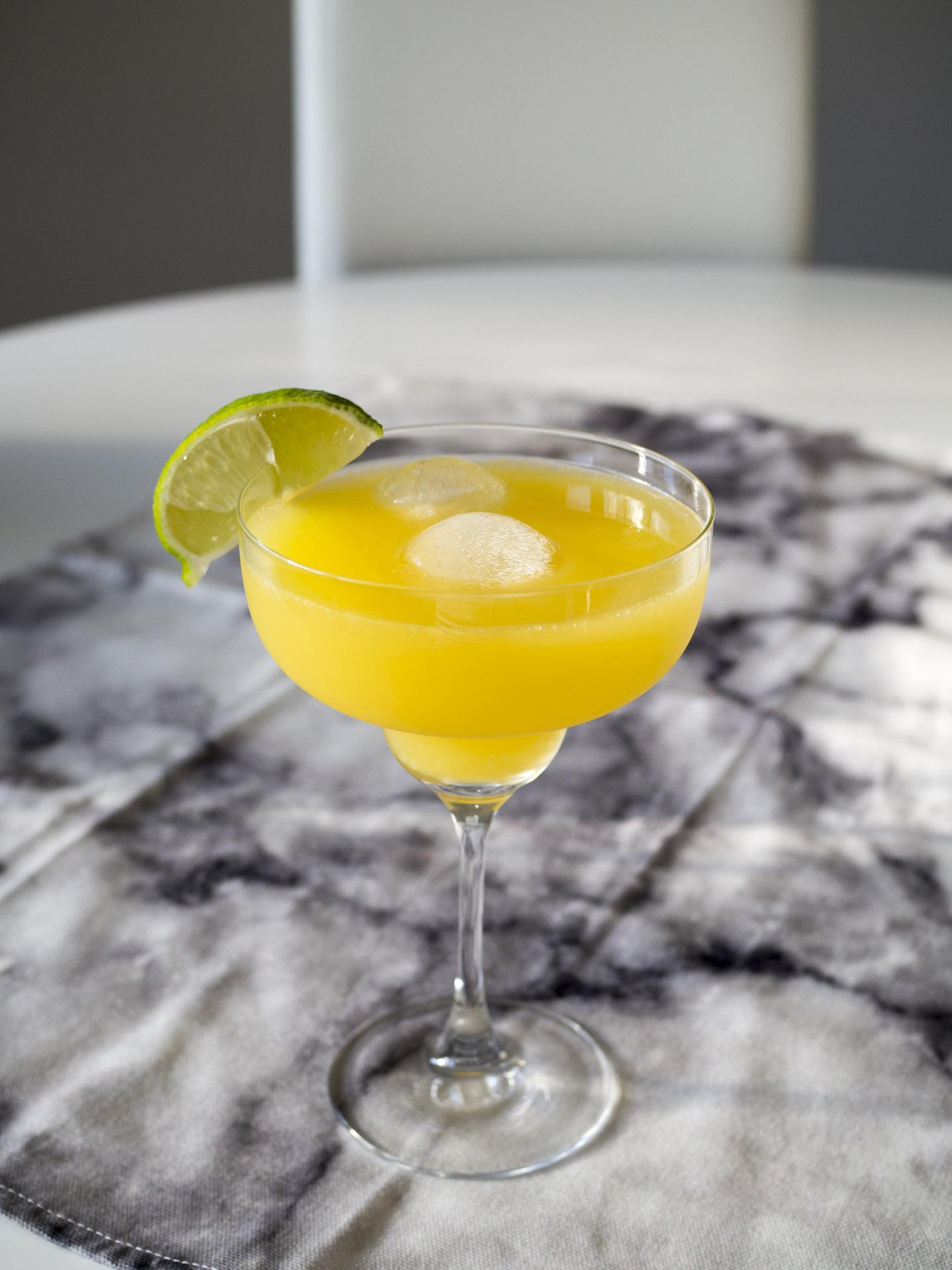 Citrusdrink med fläder