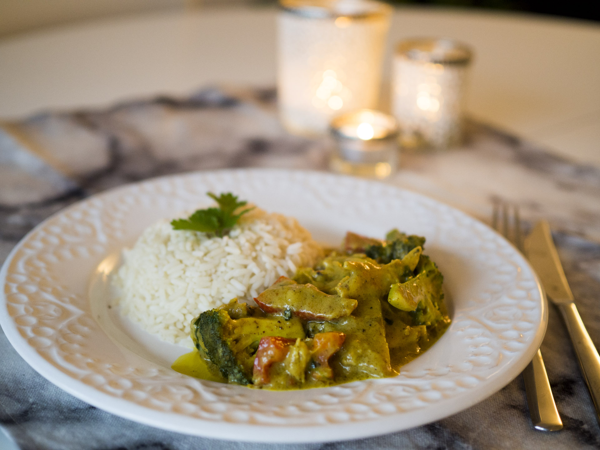 Currykycklinggryta med ris