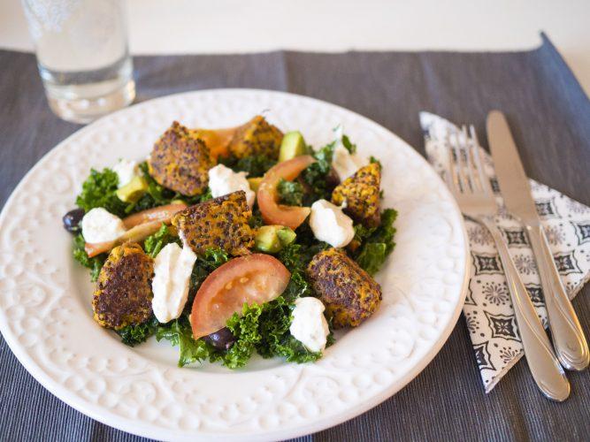 Mootsbollar med quinoa och grönkålssallad
