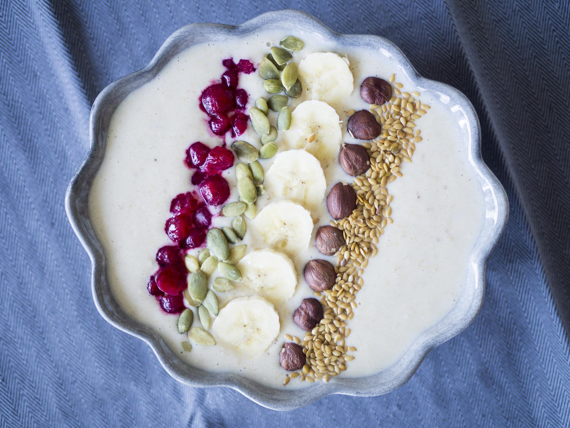 Smoothiebowl med banan och jordnötssmör