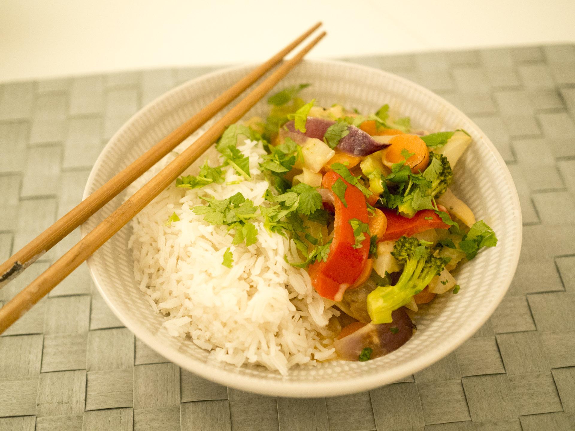 Vegetarisk röd currygryta