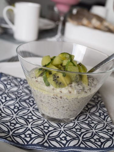 Ananaschiapudding med kiwi