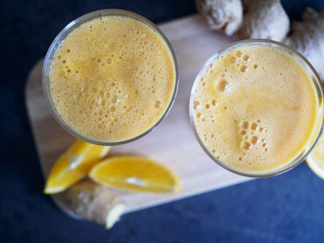 Boostande juice med äpple och ingefära