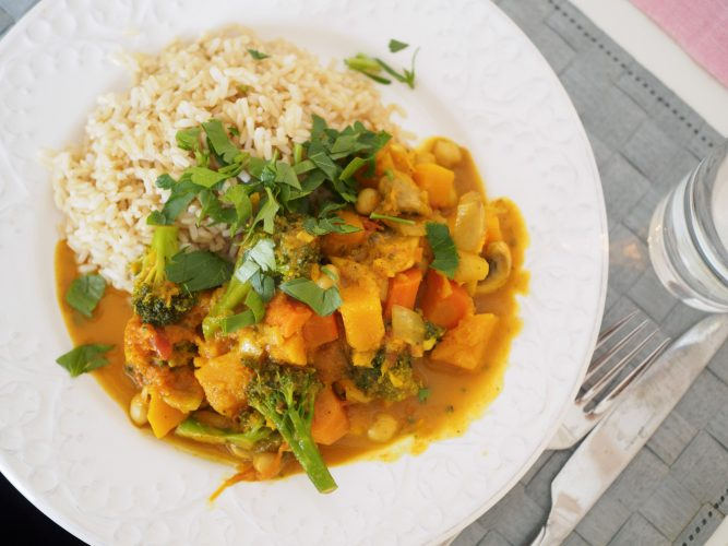 Vegetarisk curry med pumpa och broccoli-