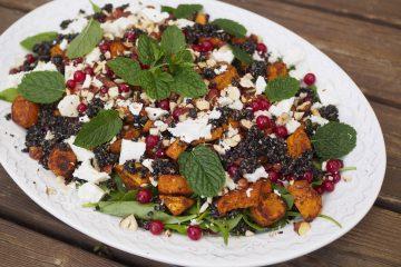 Sötpotatissallad med quinoa och fetaost