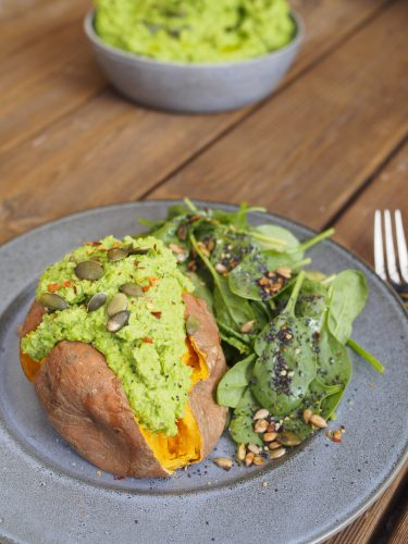 Bakad sötpotatis med grön ärtkräm