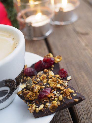 Chokladbräck med saffransgranola