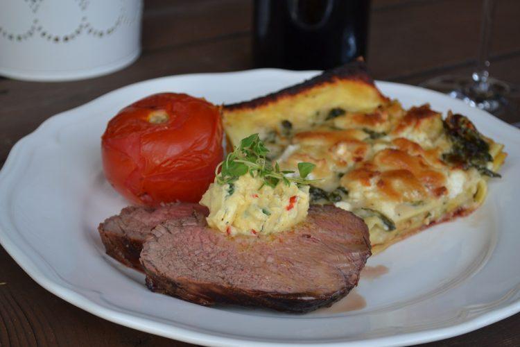 Grillrecept - Grillad rostasfilé med grön ostlasagne