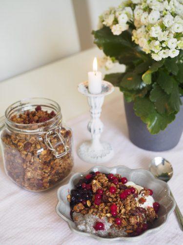 Hemmagjord granola - Granola med linser, dadlar och kryddor